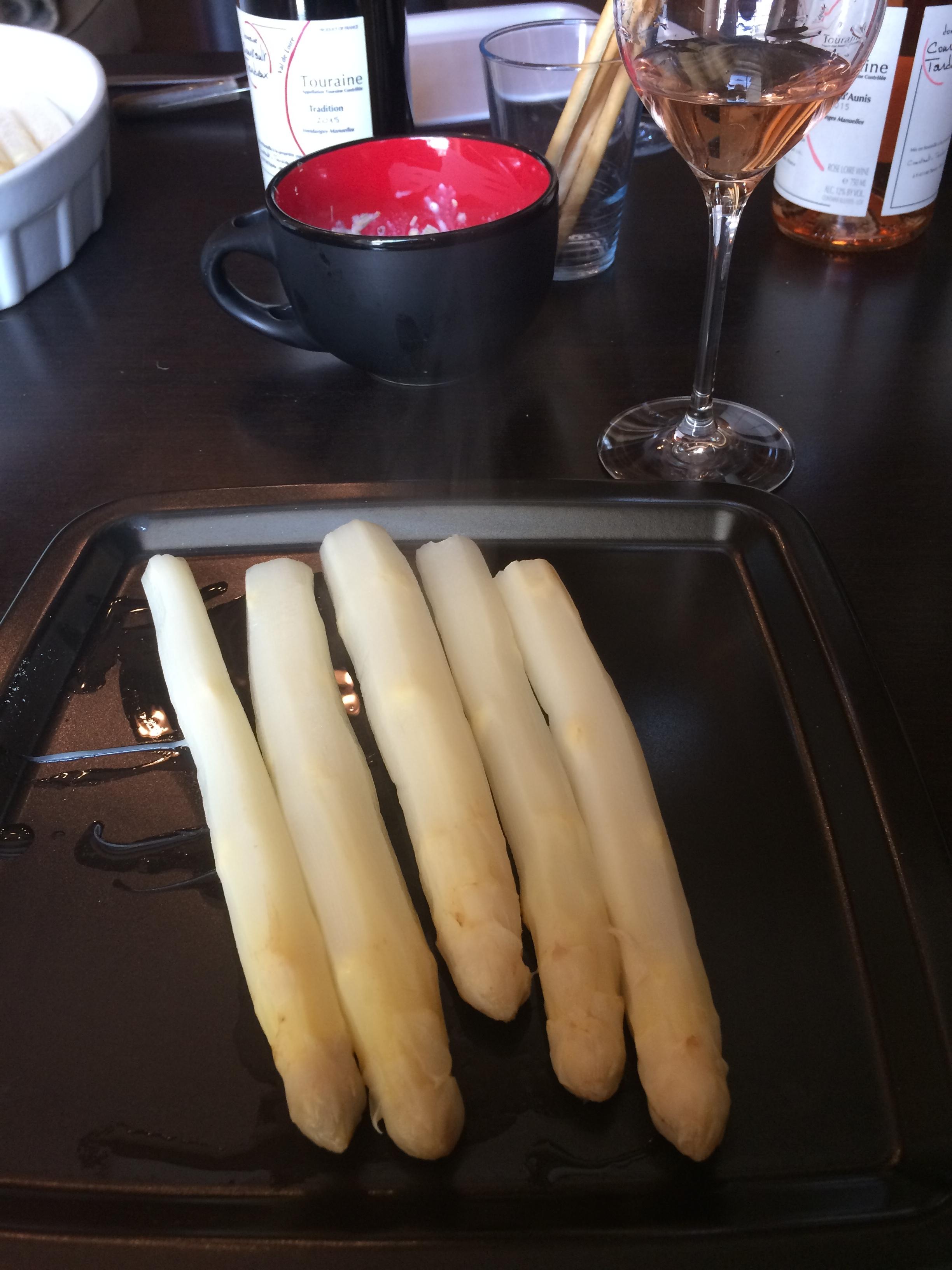 White Asparagus, Black Plate, Pineau Du0027Aunis Rosé.